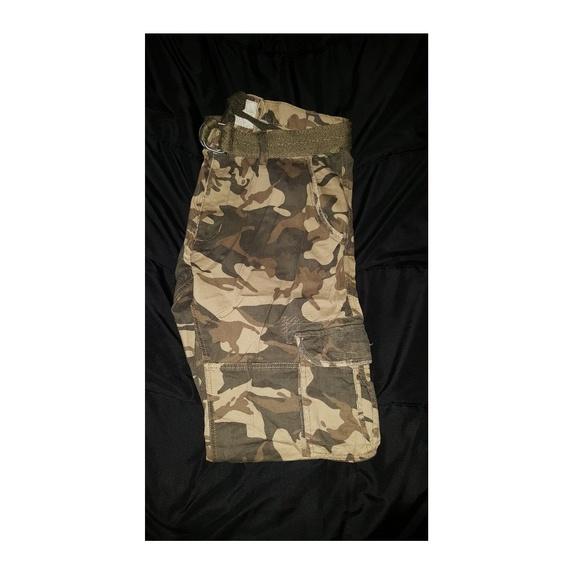 7b4f2fccfea7 Jordan Craig Other - Camo cargo pants